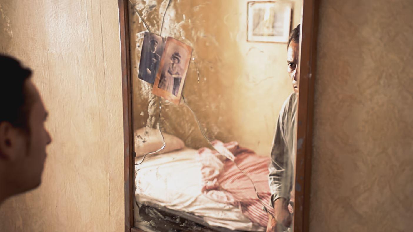 Dietro lo specchio 2015 cortometraggi film docu for Lo specchio